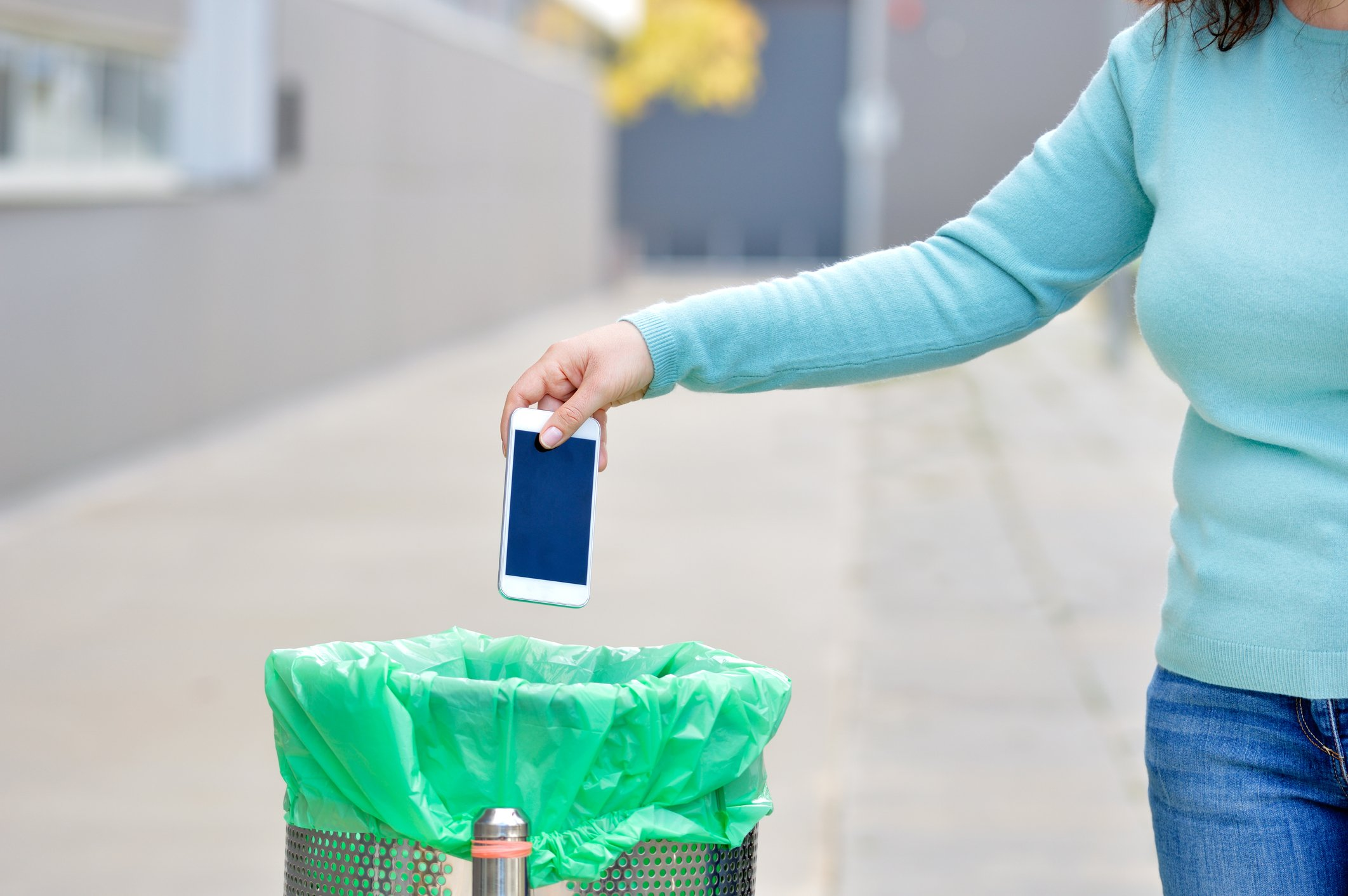 Recycling: A Cornerstone of the Repair Industry